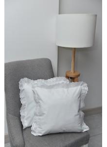 poszewka biała z falbanką